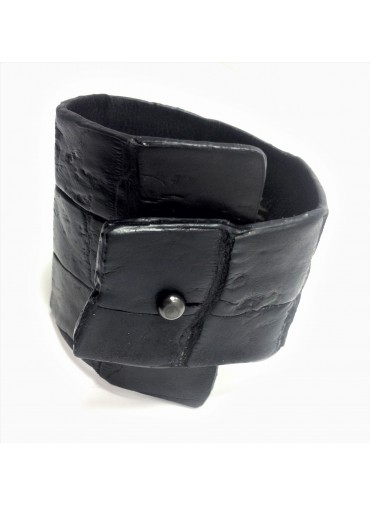 Crocodile leather bracelet in black 6.5-3cm - metal fastening
