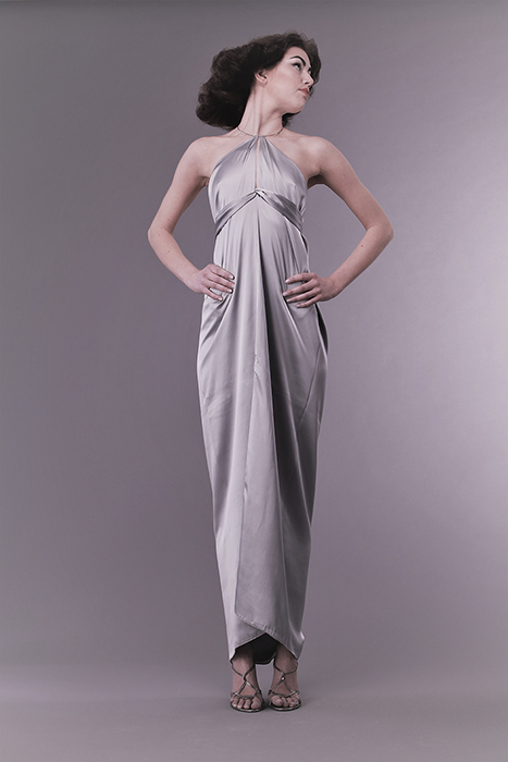 Robe longue satin modulable