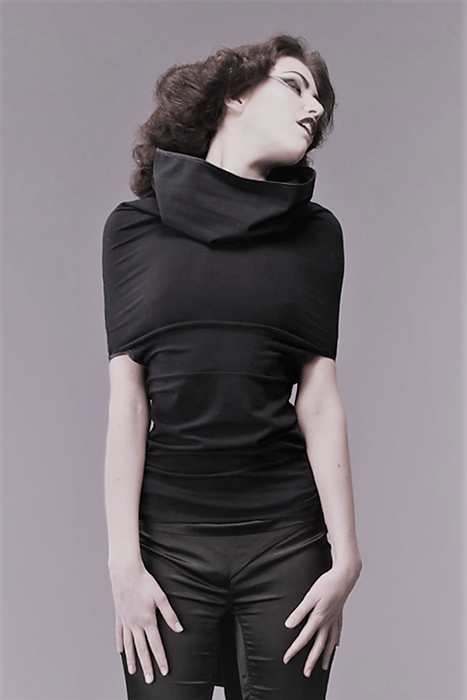 Top/robe à capuche